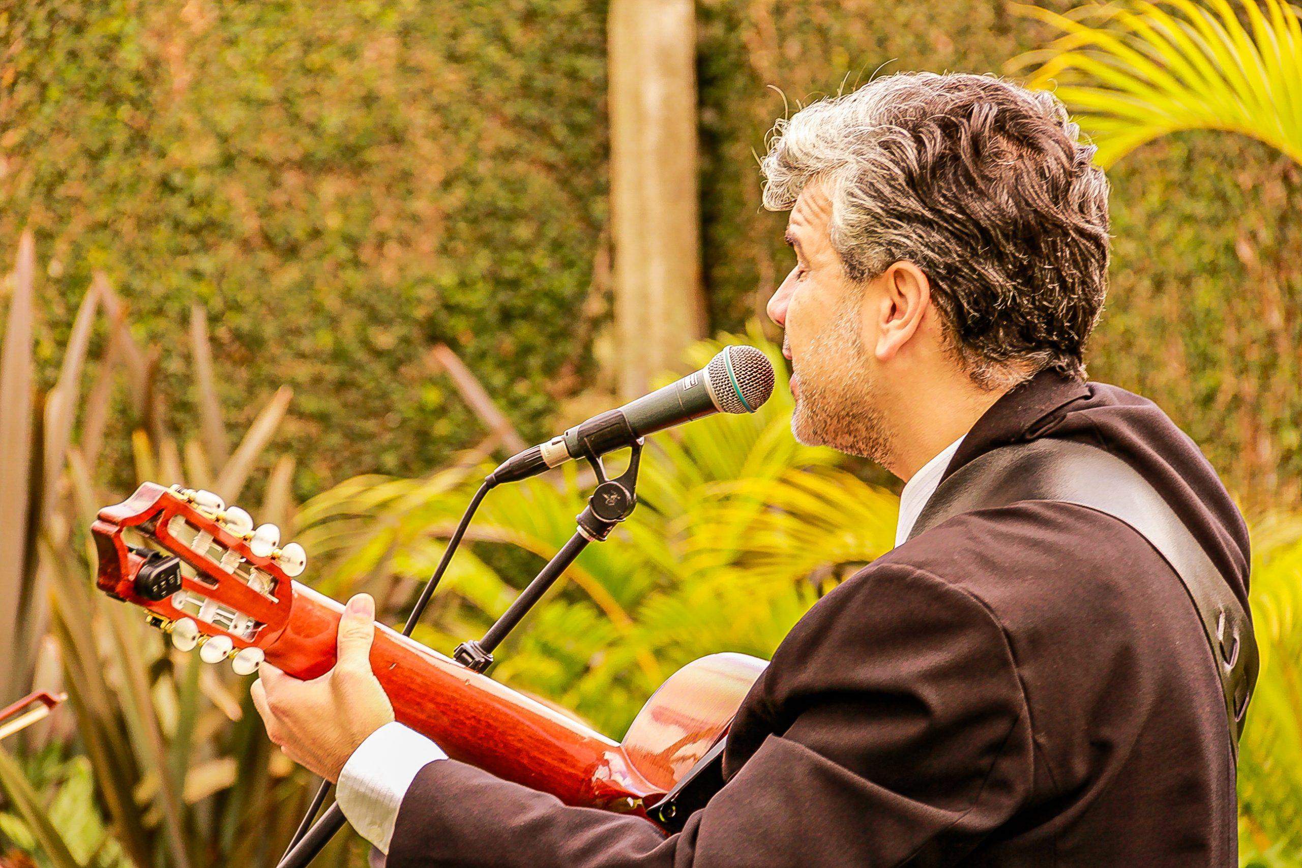 Voz e violão curitiba